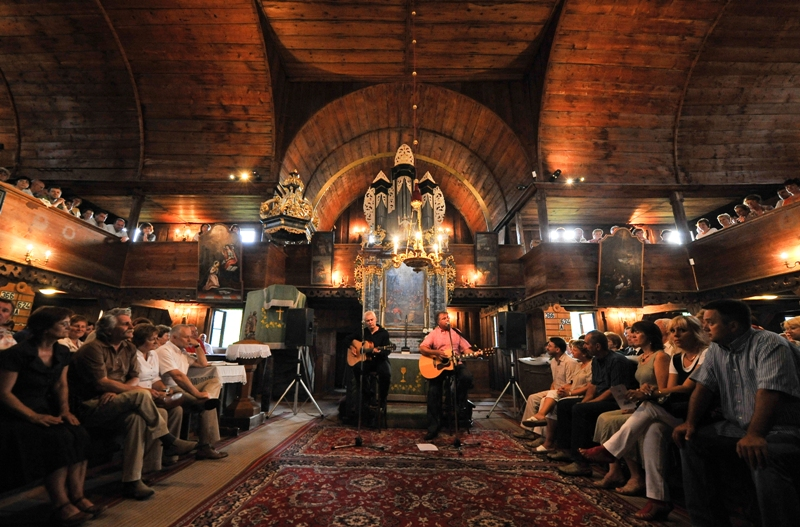 Benefičný koncert Pavla Hammela v Hronseku