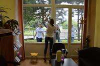Umývanie okien na Krajskom stredisku ÚNSS v BA