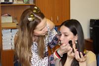 Vizážistické stretnutie pre mladé nevidiace a slabozraké ženy