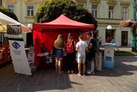 Prešovské námestie spestrili stánky s logom Bielej pastelky