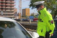 Policajné hliadky vodičov poúčali