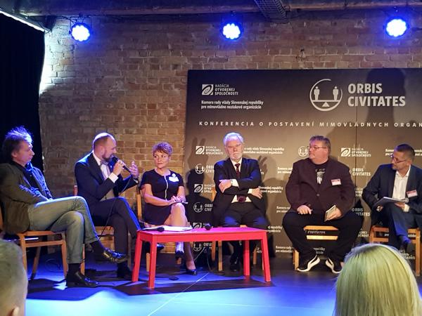 Diskusia k téme Aký je postoj predstaviteľov verejnej správy k občianskemu sektoru na Slovensku?