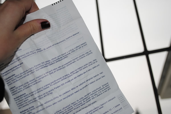 Papier sa nesmie lesknúť ani presvitať