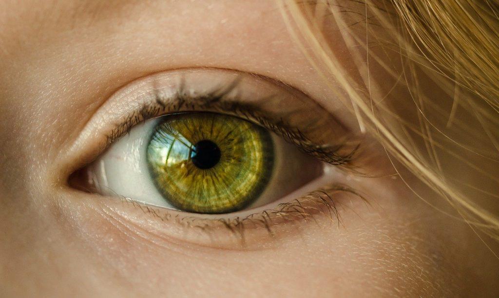 Detail ľudského oka.