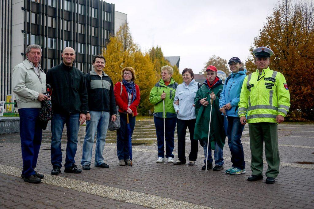 Medzi dobrovoľníkmi počas Dňa bielej palice.